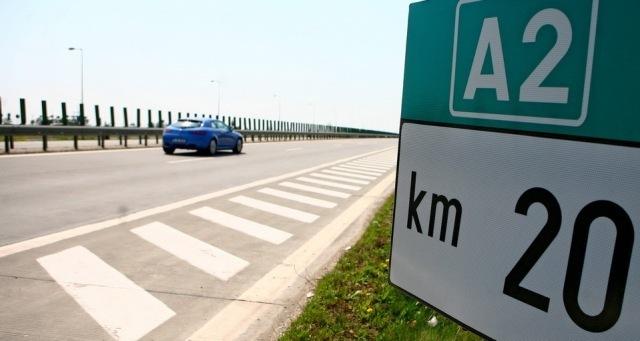 Autostrăzile pe care am plătit deja 1 miliard euro şi-au încetinit puternic ritmul de construcţie