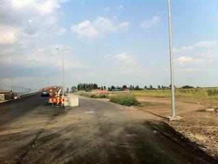 Cum arată nodul rutier de pe A3 Bucureşti-Ploieşti cu două săptămâni înainte de termen: circulaţie alternativă, bretele neterminate şi panouri lipsă