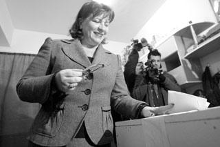 Vicepresedintele PNL Norica Nicolai - viitorul ministru al justitiei