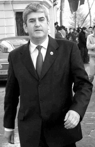 Gabriel Oprea, dat afara din PSD din cauza DGIPI. Miscarea arata ca serviciile secrete domina in politica