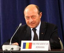 Băsescu cheamă partidele la consultări de la 17.00; PSD, PNL şi PC, invitate separat