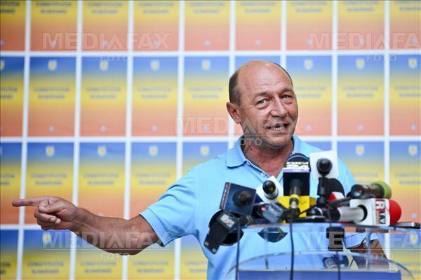 Băsescu: Antonescu să sune pe telefonul negru din birou, al treilea buton;o să afle cine a făcut rău