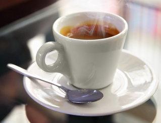 Un român de 32 de ani a investit 80.000 de euro într-o cafenea în apropiere de Universitate