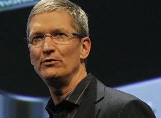 Moment extrem de rar la Apple: Directorul general îşi cere scuze pentru problema hărţilor