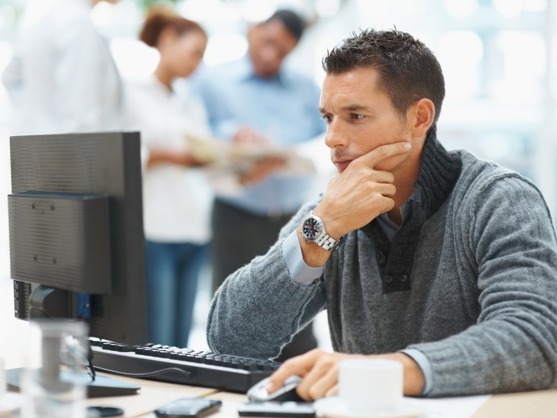Facultăţile produc 2.500 IT-şti anual. Unii renunţă la meserie după 3-4 ani