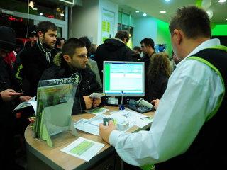 Cosmote provoacă un cutremur pe piaţa de net mobil: abonament cu 150 GB de date incluşi la 30 de euro, TVA inclus