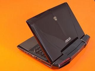 Asus România a lansat pe piaţa locală noul laptop de lux Lamborghini VX7 care costă aproape 9.000 de lei