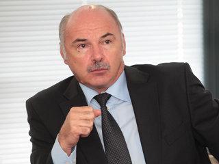 """Ionel Blănculescu, proprietarul companiei Consultanţă şi Investigaţii Financiare: """"Forţa de muncă plecată din România este cea mai calitativă, pentru că incubă profesionalismul necesar pentru o piaţă superioară din punct de vedere al calităţii muncii, în care au avut acces cu dificultate şi în care au dobândit o specializare. Dacă această forţă de muncă nu ar fi plecat, probabil că rata şomajului ar fi fost mai mare în perioada crizei""""."""