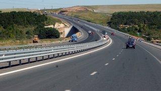 Statul scoate în concesiune două autostrăzi vitale