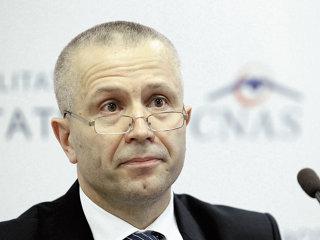 Cardul de sănătate îşi croieşte drum spre asiguraţii români după trei ani de discuţii şi tatonări