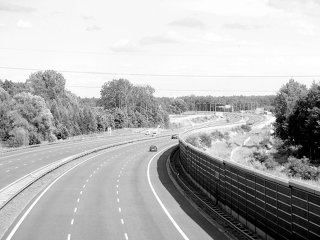Autostrada spre litoral este de 20 de ani in constructie, dar va fi finalizata abia in 2011