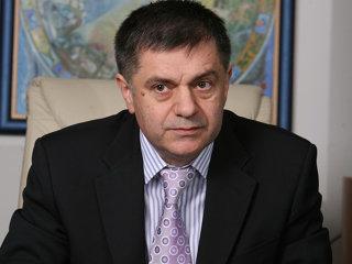 Ionuţ Costea, preşedintele Eximbank, a primit în 2009 venituri lunare de 27.000 de euro