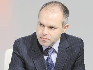 Daniel Funeriu, care ocupă funcţia de ministru al Educaţiei de la finele anului 2009, este cel mai aprig susţinător al reformei în învăţământ şi al Legii Educaţiei Naţionale