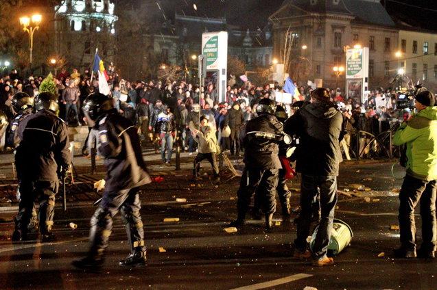 Stiri 2012 Proteste-bucuresti-jpg3