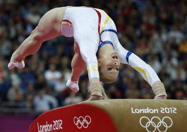 Sandra Izbaşa a câştigat medalia de aur la sărituri, a opta pentru România la JO
