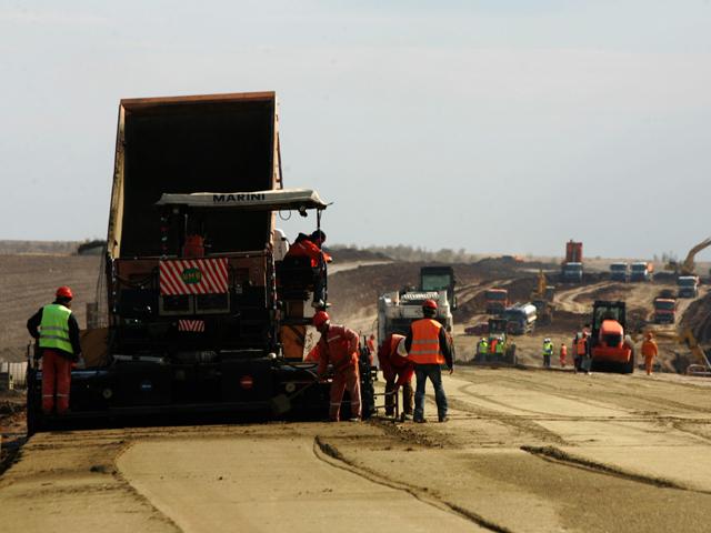 Constructorii au depus oferte pentru construirea a peste 100 km de autostrăzi, cu o valoare de 1 mld. euro