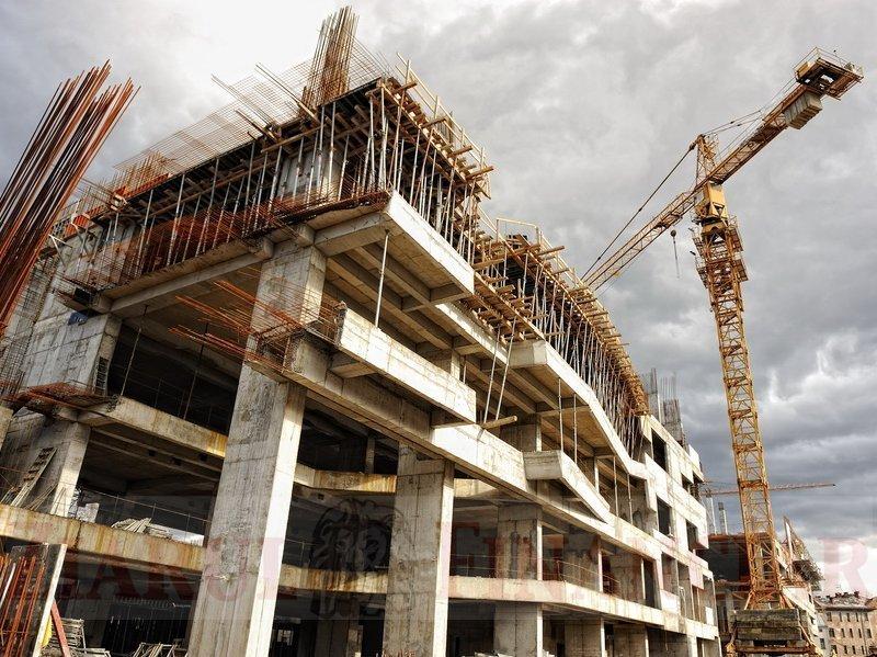 Care dintre cele mai mari 50 de firme din construcţii, cu afaceri de 4,7 mld. euro, au pus umărul la depăşirea crizei