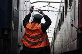 CFR a interzis circulaţia vagoanelor lui Burci, ale Regiotrans, Transferoviar Grup şi Grup Transport Feroviar din cauza datoriilor