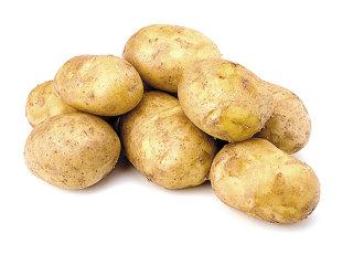 Un producător din Covasna livrează 20% din cartofii vânduţi de Carrefour