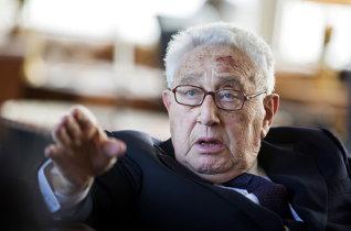 Kissinger a orientat politica externă a Statelor Unite