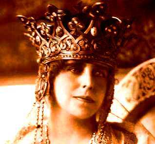 Acum un veac (XXXIV). Regina Maria – Der Onkel şi Aunty/ de Ion Bulei