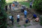 ULTIMA ORA / Turn medieval descoperit in curtea Castelului Huniade