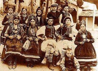 DOSARE DECLASIFICATE / Aromânii balcanici şi bandele greceşti (III). Ameninţări, incendii, asasinate