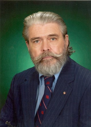 """Ernest H. Latham Jr.: """"Toată viaţa mea s-a legat într-un fel de Războiul Rece"""""""