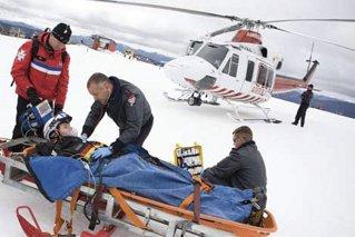 Paramedicii nu zboară cu paraşuta/ de Alexandru Ciolan