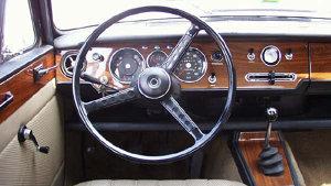 Cum arată una dintre maşinile lui Ceauşescu. Este de vânzare