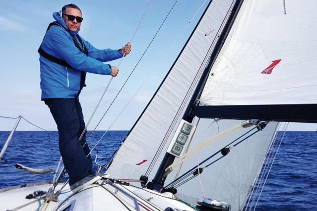 """Mihai Marcu este antreprenor de """"profesie"""", dar navigator de vocaţie: """"Nu caut neapărat furtuna, dar mă bucur când am ocazia să îmi testez limitele"""""""