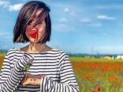 Cristina Roşca, După Afaceri Premium: Nu vreau să ajungem să ne povestim viaţa prin mesaje audio sau video. A trăi pentru a-ţi povesti viaţa înseamnă să te vezi cu oameni, să împarţi cu ei o cină, un pahar de vin şi să vorbeşti câte-n lună şi în stele. Faţă în faţă