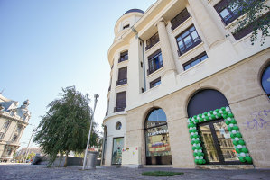 Starbucks bifează încă o unitate stradală în inima Bucureştiului şi deschide o cafenea la kilometrul zero, în Piaţa Universităţii. GALERIE FOTO