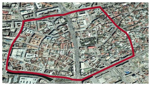 Centrul vechi al Bucureştiului se întinde pe o suprafaţă de 57 de hectare. Un număr de 527 de clădiri - din care aproximativ o treime condensate în zona Lipscani - sunt incluse în perimetrul delimitat de şase străzi mari: la nord de bulevardele Regina Elisabeta şi Carol I, la est de bulevardul Hristo Botev, la vest de Calea Victoriei, iar la sud de Splaiul Independenţei şi bulevardul Corneliu Coposu.