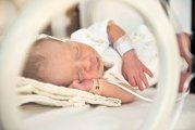 (P) O maternitate în care Anele nu mor: redirecţionează 2% din impozitul pe venit pentru copiii născuţi prematur