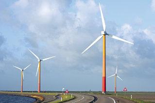 Investitorii nu s-au grabit: doar 4% din proiectele eoliene pot demara