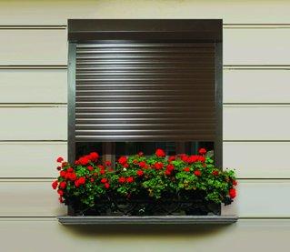 Grupul MCA a vândut 12.000 de rulouri pentru ferestre în primele 11 luni