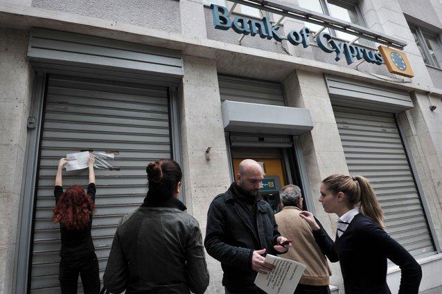 Măsură-şoc în Cipru: depozitele mari sunt taxate cu 40%. BNR: Băncile locale sunt sigure