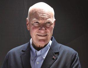 Jean-Claude Biver este omul despre care se spune că a salvat industria orologeră elveţiană în anii '80 când ceasurile japoneze cu baterie erau pregătite să cucerească lumea. Astăzi, din postula de CEO al TAG Heuer el povesteşte cum va arăta industria de profil în anii ce vor urma