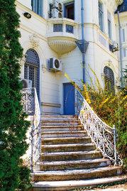 """Dilema noilor """"aristocraţi"""" din Bucureşti: cum cheltuieşti 1 mil. euro pentru o casă când casa de 1 mil. euro nu prea există?"""