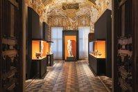 Care este legătura dintre Intesa Sanpaolo, una dintre cele mai puternice bănci italiene, şi artă? Aparent niciuna, dar de fapt colosul bancar este unul dintre cei mai mari colecţionari de artă din lume, cu 20.000 de opere şi trei muzee proprii. GALERIE FOTO