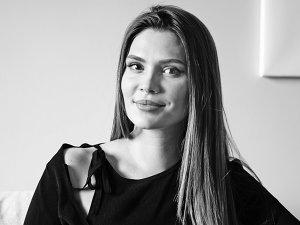 Andra Bica are 31 de ani şi este de profesie arhitect. Care este povestea studioului ei de design interior, Kanso, şi care sunt elementele-semnătură ale Andrei în domeniul amenajărilor?