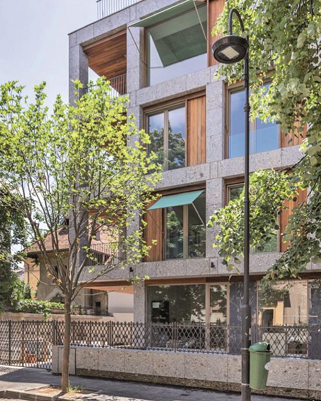 Cum arată unul dintre cele mai noi proiecte imobiliare de lux din Capitală, amplasat chiar în inima oraşului. Preţurile locuinţelor urcă de la 800.000 de euro până la 3 milioane de euro