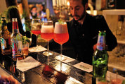 """Reţete cu cel mai nou ingredient din lumea cocktail-urilor. Mixologii: """"Are un viitor bun, dar potenţialul nu este încă exploatat"""""""