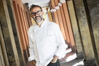 De la abandon şcolar la vârful gastronomiei: Care este povestea lui Massimo Bottura, omul care deţine cel mai bun restaurant din lume
