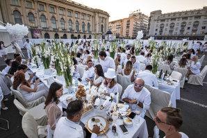 Care sunt evenimentele verii la Bucureşti: inaugurarea unui restaurant mediteranean, o nouă cină în alb, un concert marca André Rieu şi o incursiune în arta mâncării japoneze