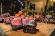 Cum se găteşte cea mai bună friptură? Chef-ii au o listă întreagă de indicaţii, de care trebuie să ţinem cont dacă visăm la un steak ca la carte