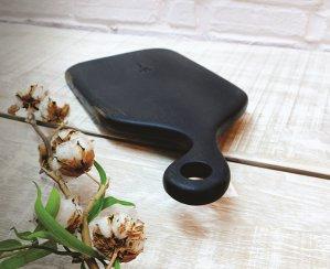 Cum arată tocătorul perfect, mâna dreaptă din bucătărie: din lemn de cireş, de tec sau de nuc, tocătorul a trecut de la instrument pentru gătit la element de decor