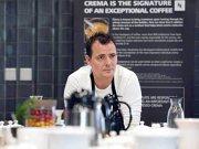 Cu ce se asortează o cafea în opinia chef-ului Paul Oppenkamp, co-proprietar The Artist: Carnea de vânat merge foarte bine în combinaţie cu cafeaua infuzată, alături de o porţie de legume. Puiul se potriveşte bine cu cafeaua cu aromă de praline