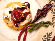 Oana Coantă a devenit antreprenor în bucătărie în anul 2000, când a deschis restaurantul Bistro de l'Arte, în Braşov. Spune că ar putea mânca la infinit, fără să se sature, ciorbele din bucătăria restaurantului ei. Alte secrete aflaţi din materialul de mai jos